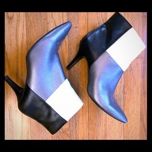 Anne Klein yarisol colorblock heeled ankle boots 7